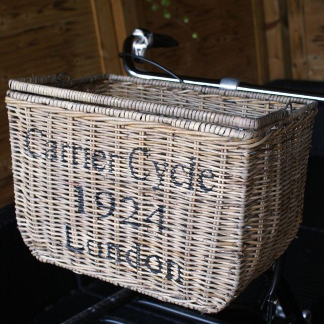 Stoere fietsmand 'Carrier Cycle 1924 London'