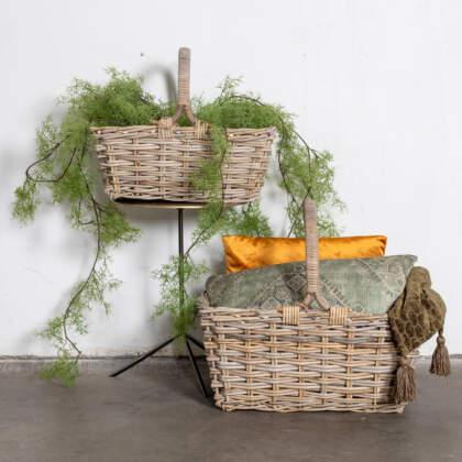 picknick_basket_Rattan_grey_sfeerclose_301680