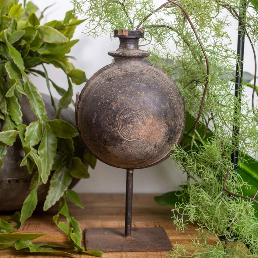 Clay_Pot_on_Stand_sfeer_401951